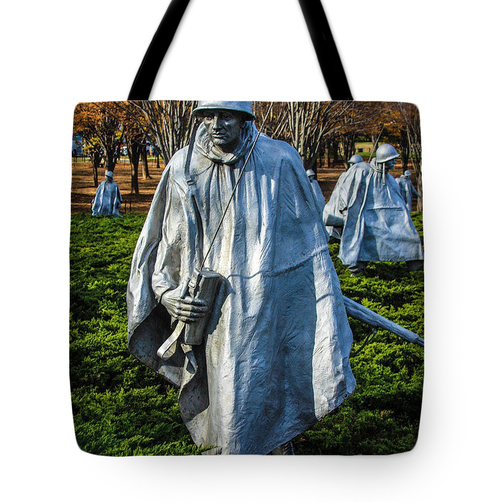 Washington Dc Dec 1 Tote Bag featuring the photograph Korean War by William Rogers