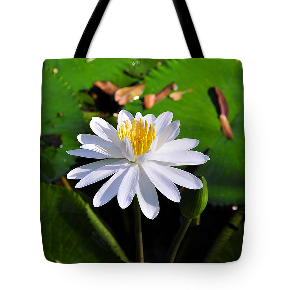 Flower Tote Bag featuring the photograph Lady Of The Lake by David Lee Thompson