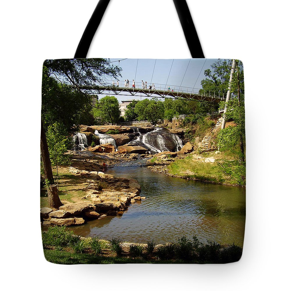 Liberty Bridge Tote Bag featuring the photograph Liberty Bridge by Flavia Westerwelle