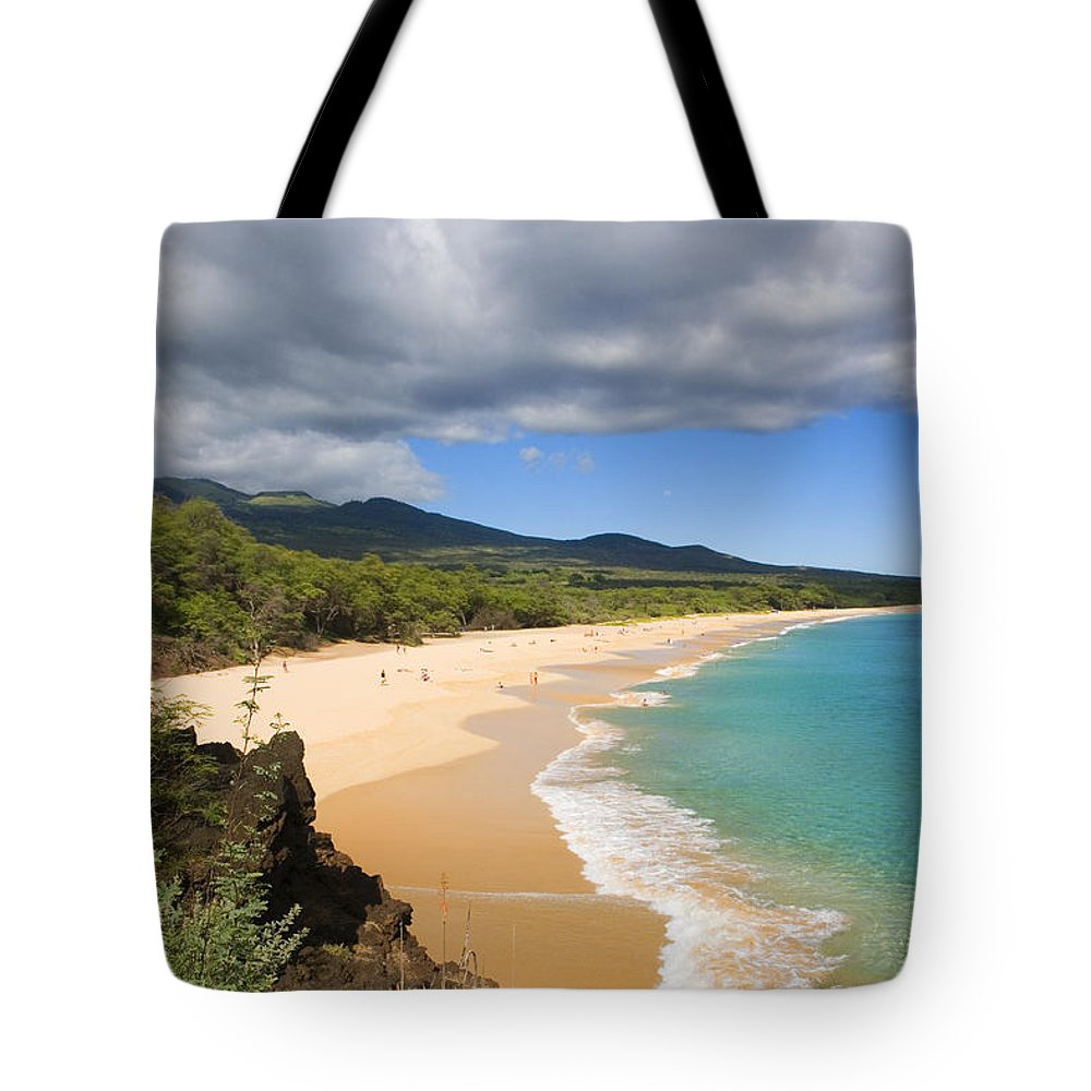 Afternoon Tote Bag featuring the photograph Makena Beach by Ron Dahlquist - Printscapes