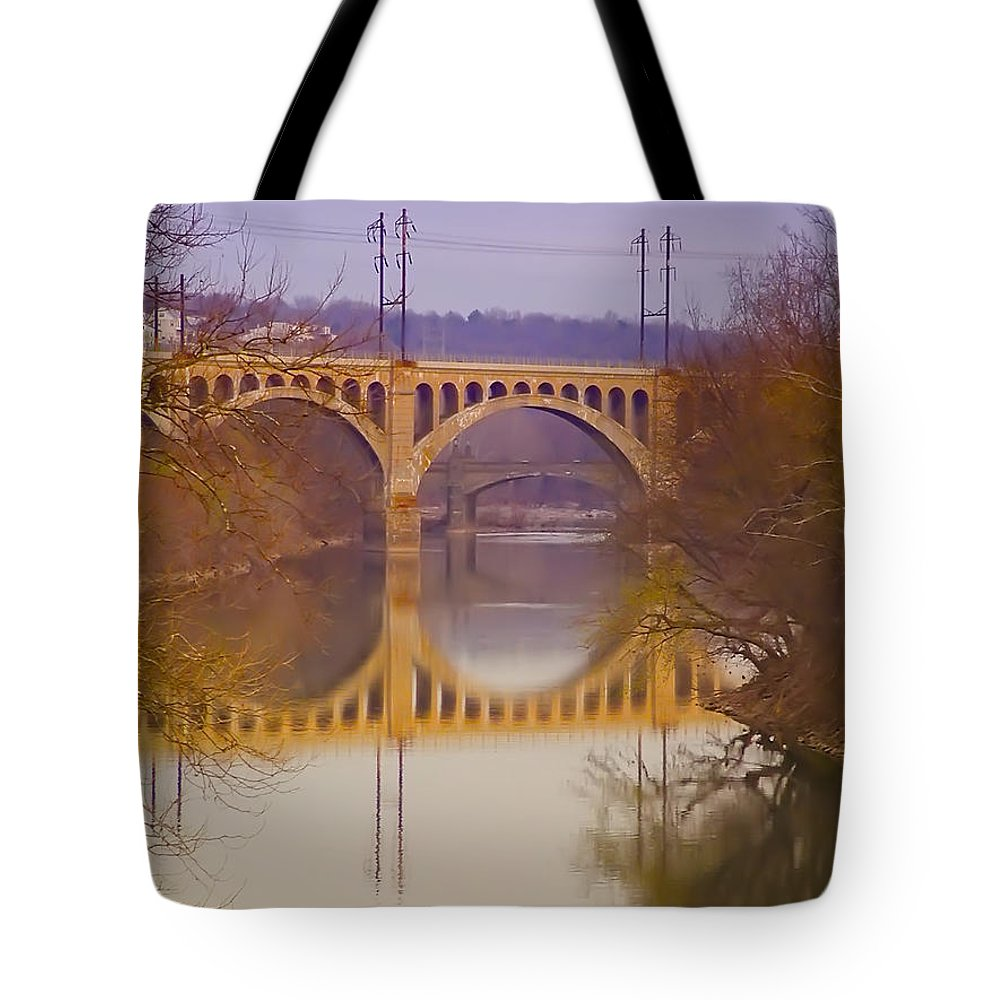 Manayunk Tote Bag featuring the photograph Manayunk Bridge by Bill Cannon