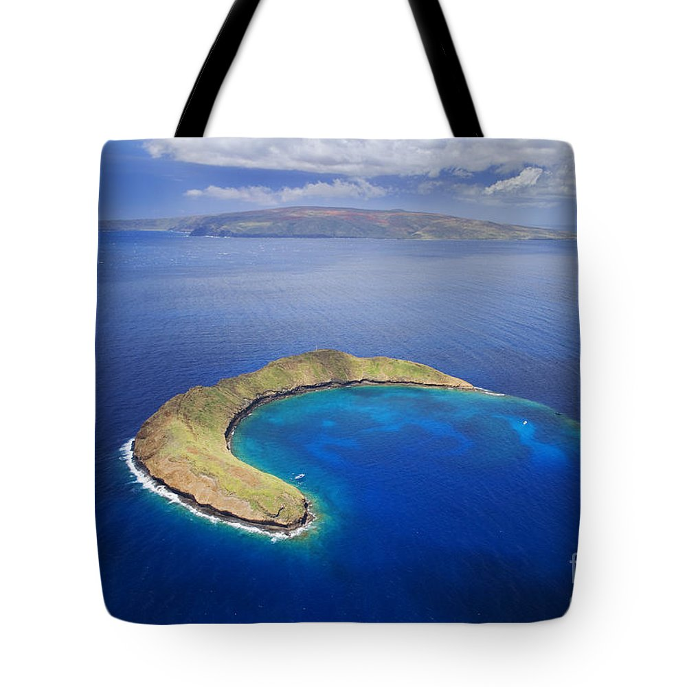 Above Tote Bag featuring the photograph Maui, View Of Islands by Ron Dahlquist - Printscapes