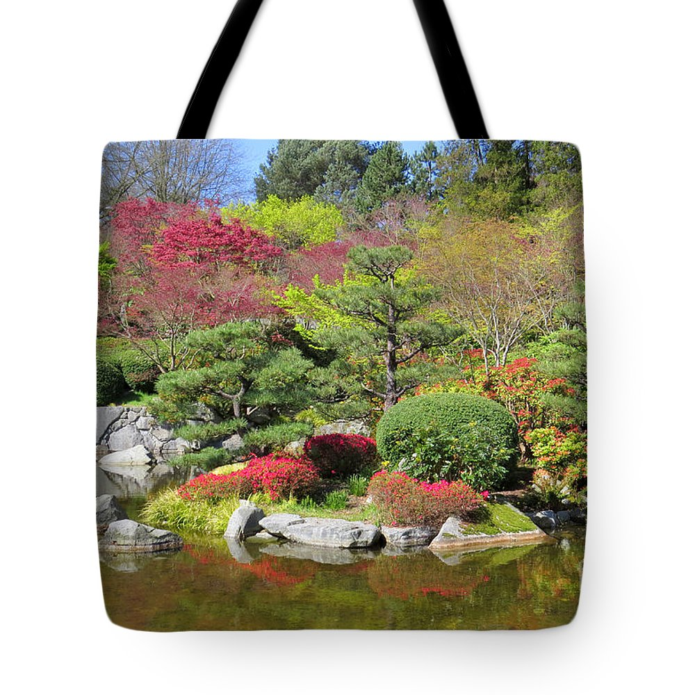 Garden Tote Bag featuring the photograph Momiji Gardens by Frank Townsley