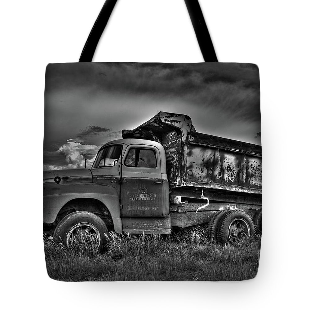 Trucks Tote Bag featuring the photograph Old International - Bw 2 by Tony Baca