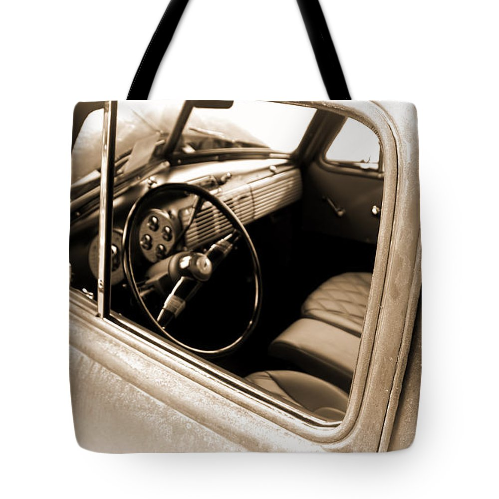 Tote Bag featuring the digital art Old Truck by Cathy Anderson