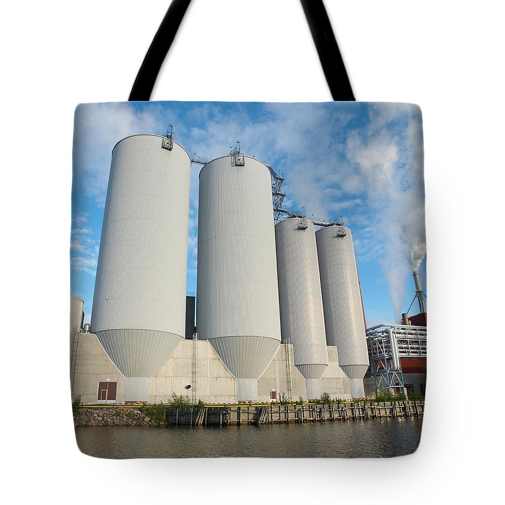Oulu Tote Bag featuring the photograph Oulu From The Sea 5 by Jouko Lehto