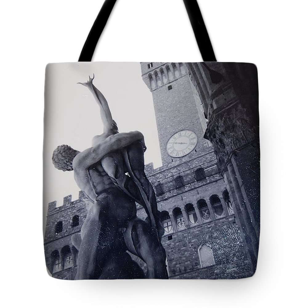 Florence Tote Bag featuring the photograph Palazzo Vecchio by Kurt Hausmann