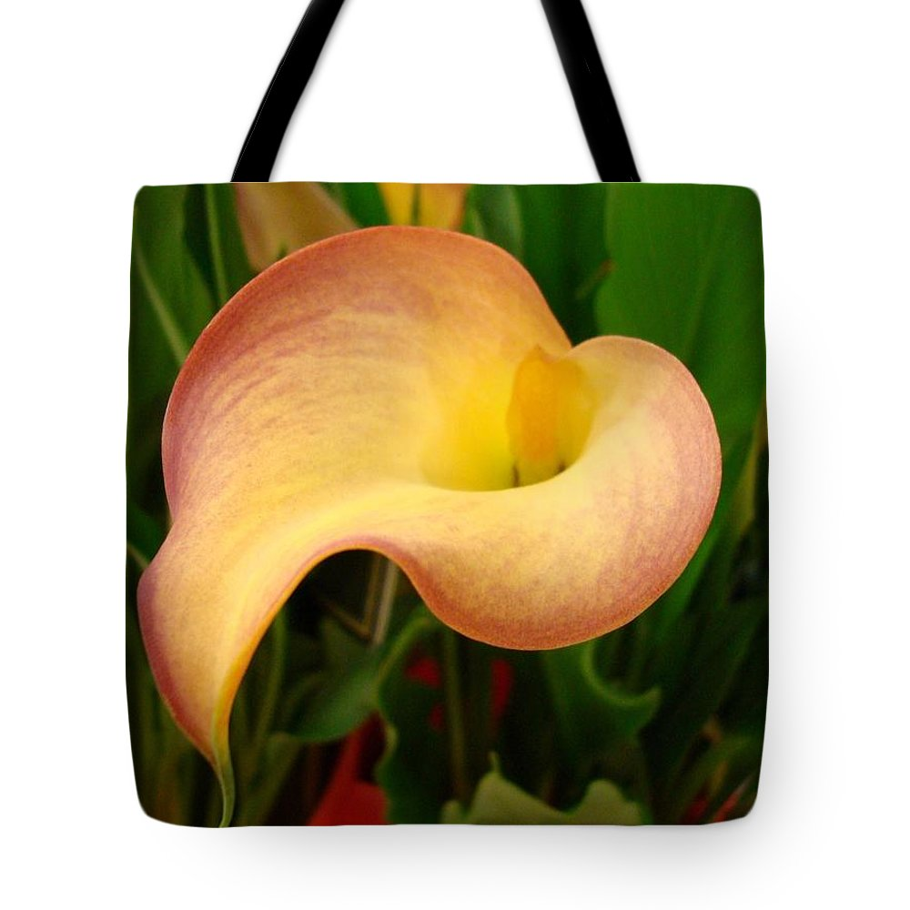 Flowers Tote Bag featuring the photograph Peace by Kathy Bucari