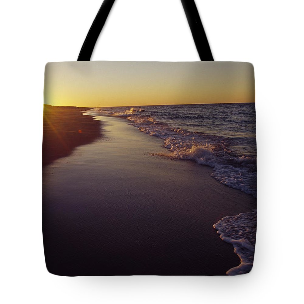 Outdoors Tote Bag featuring the photograph Picture 005 by Pdil