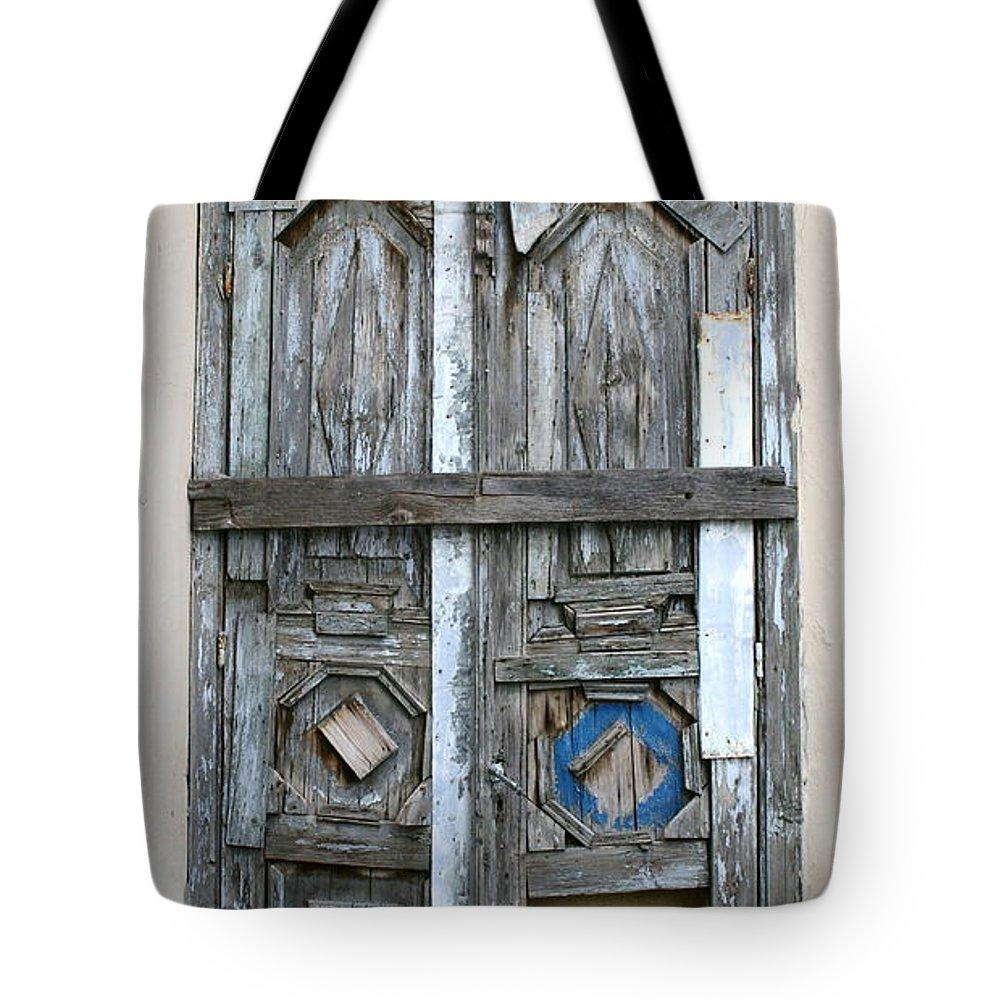 Doors Tote Bag featuring the photograph Puerta De Madera . by Shlomo Zangilevitch