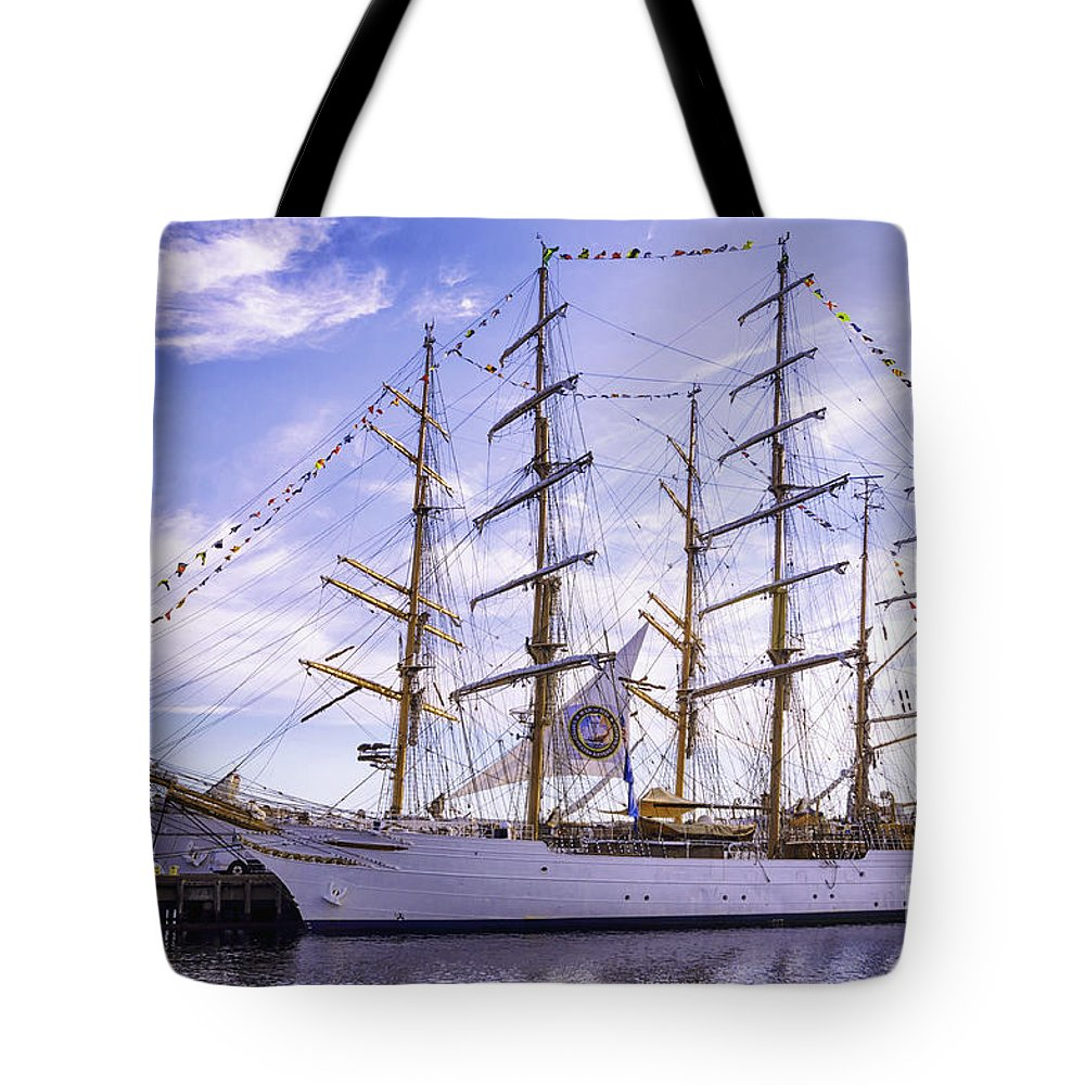 America Tote Bag featuring the photograph Side By Side by Joe Geraci