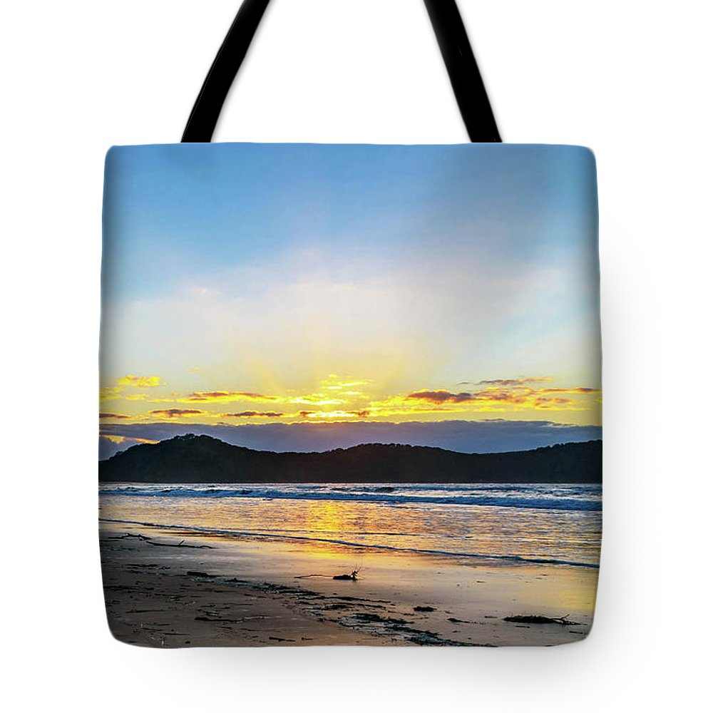 Umina Tote Bag featuring the photograph Sunrise Seascape And Crepuscular Rays by Merrillie Redden