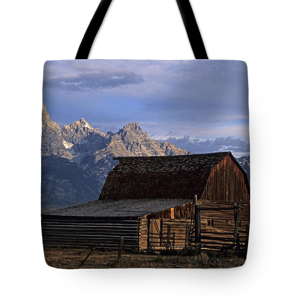 Scenic Tote Bag featuring the photograph The Molton Barn by Doug Davidson
