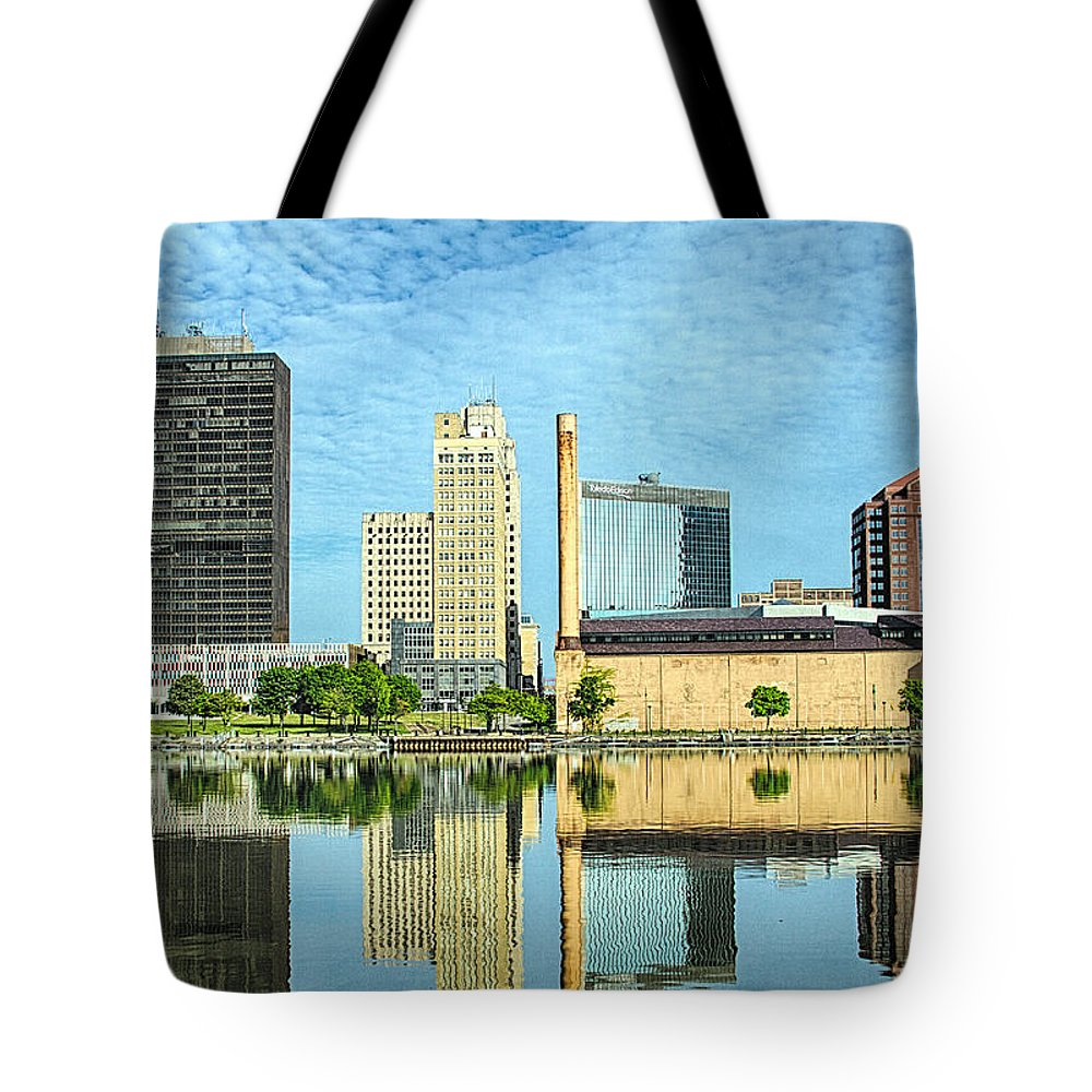 Toledo Tote Bag featuring the photograph Toledo Skyline by Thomas Staff