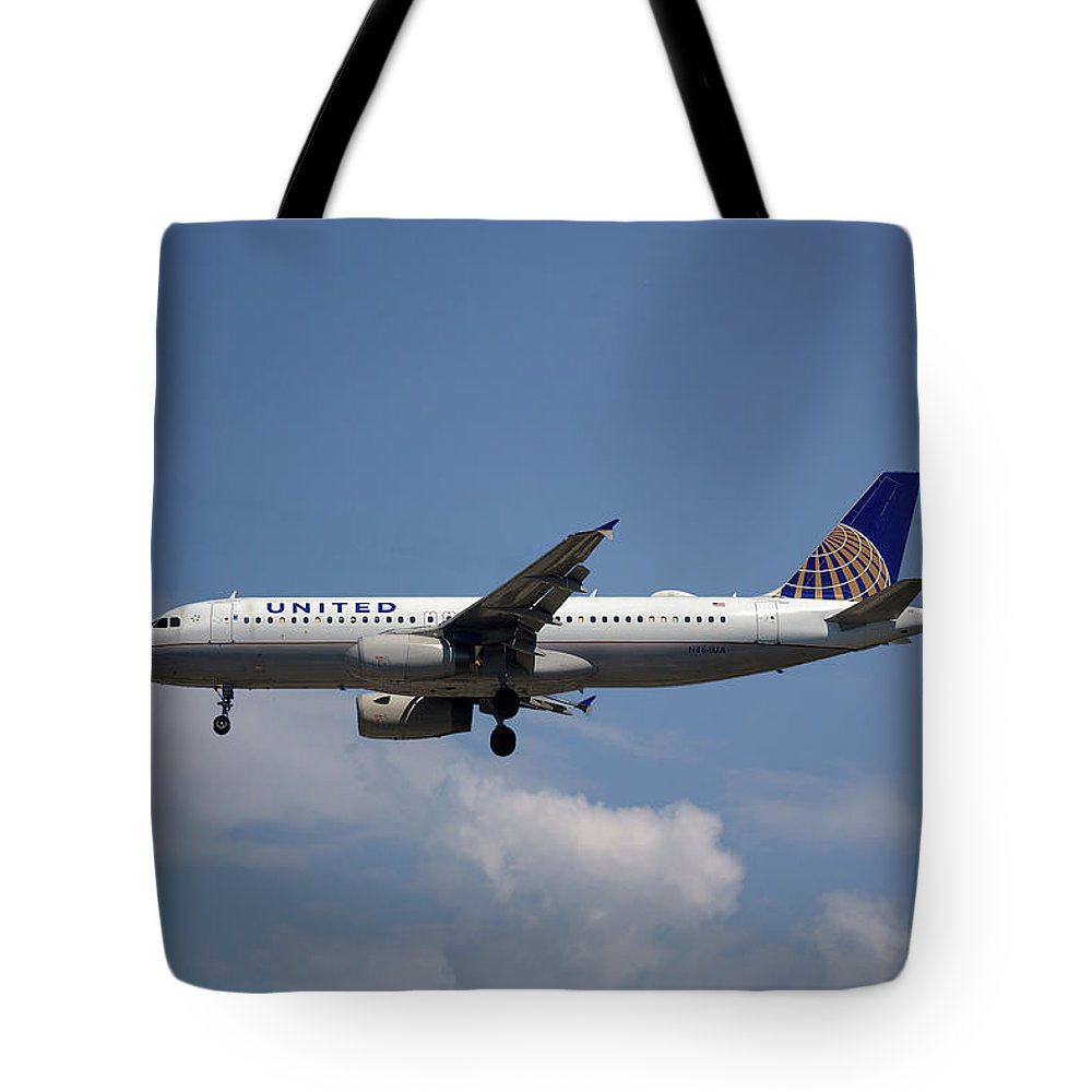 United Airlines Tote Bag featuring the photograph United Airlines Airbus A320-232 by Smart Aviation