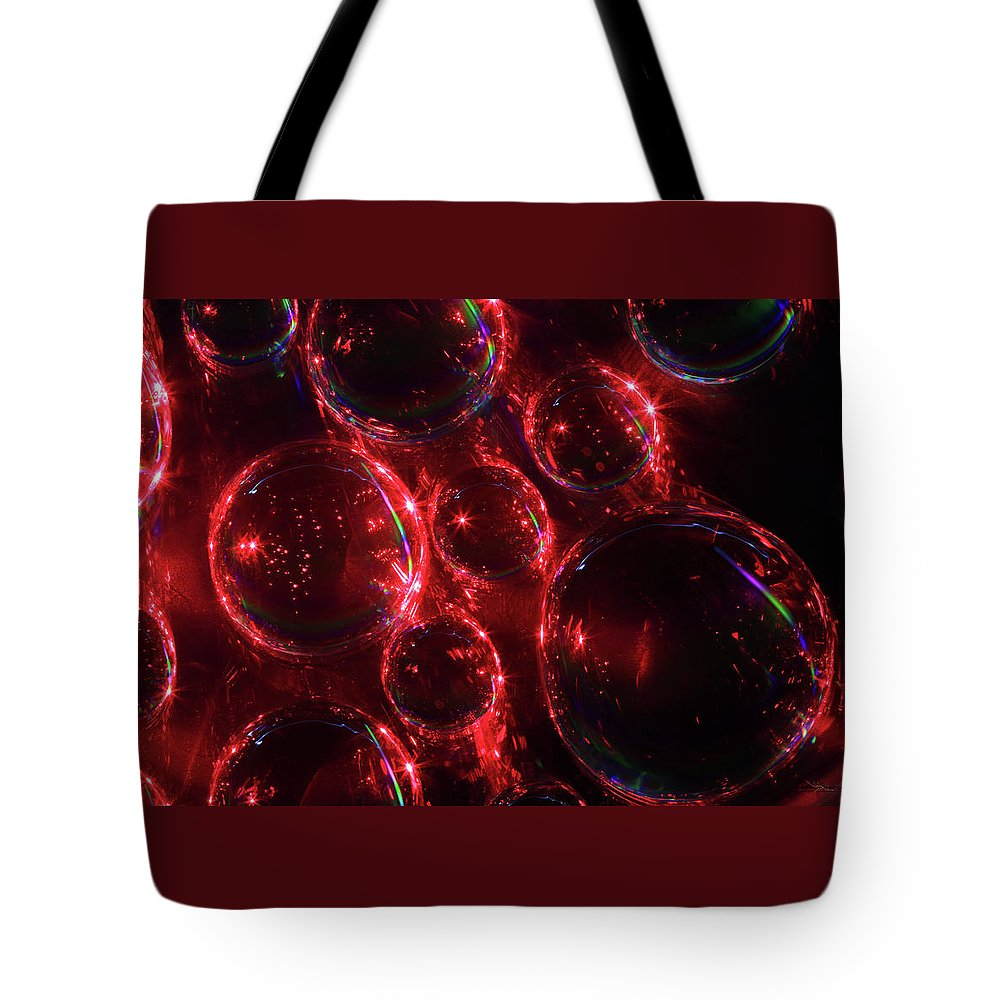 Saskatchewan Tote Bag featuring the photograph Water Droplets 2 by Andrea Lawrence