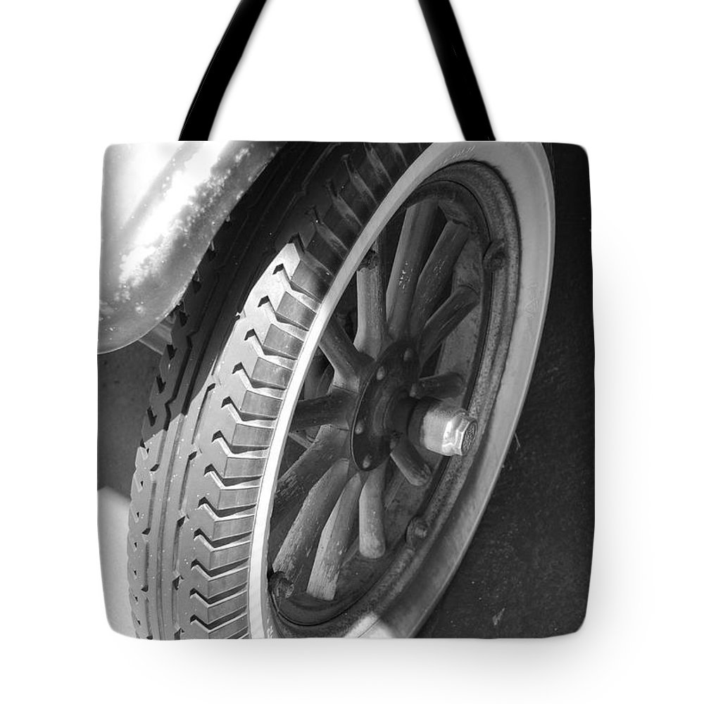 Black And White Tote Bag featuring the photograph 1926 Model T Ford by Rob Hans