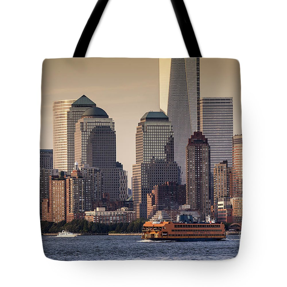 America Tote Bag featuring the photograph New York by Juergen Held