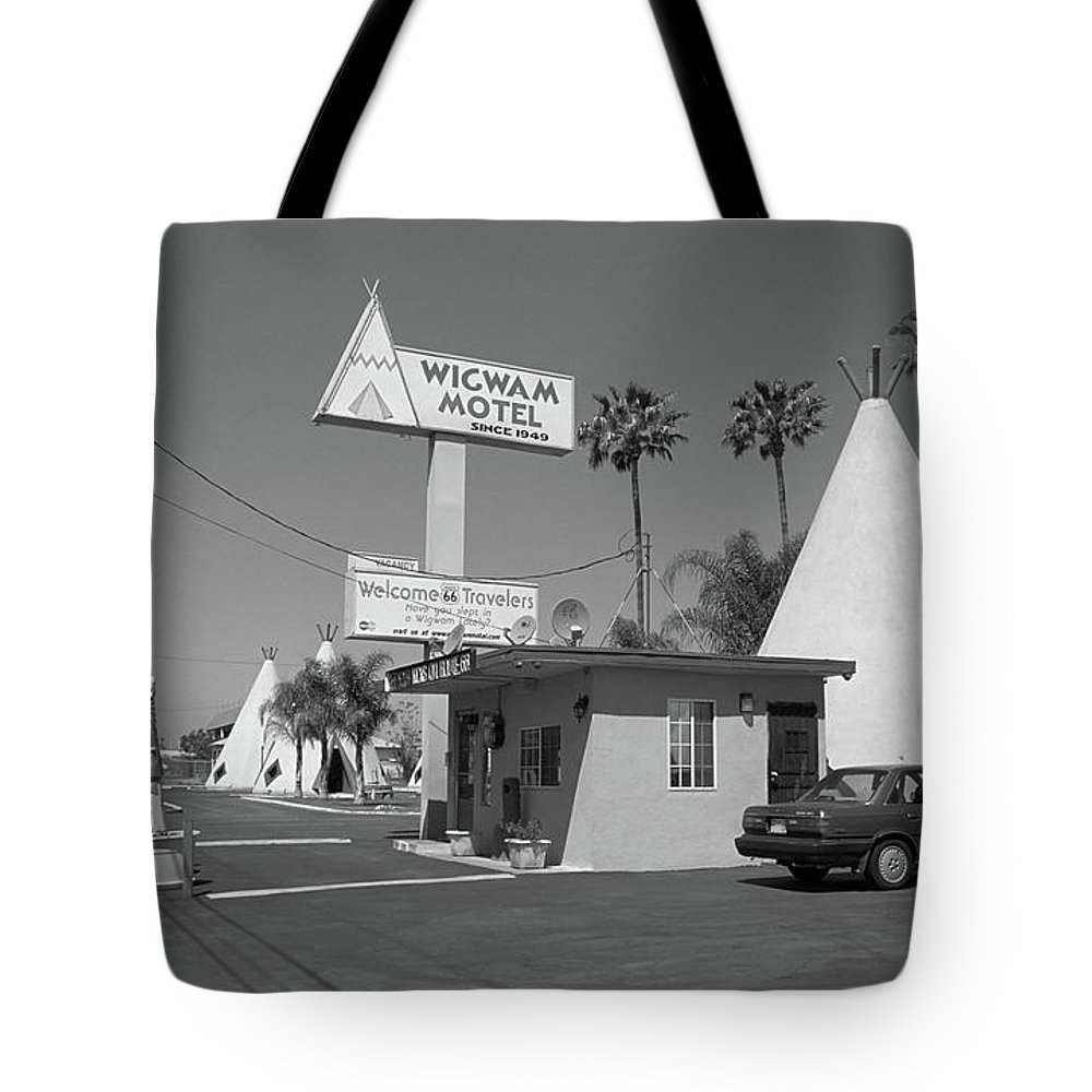 66 Tote Bag featuring the photograph Route 66 - Wigwam Motel by Frank Romeo