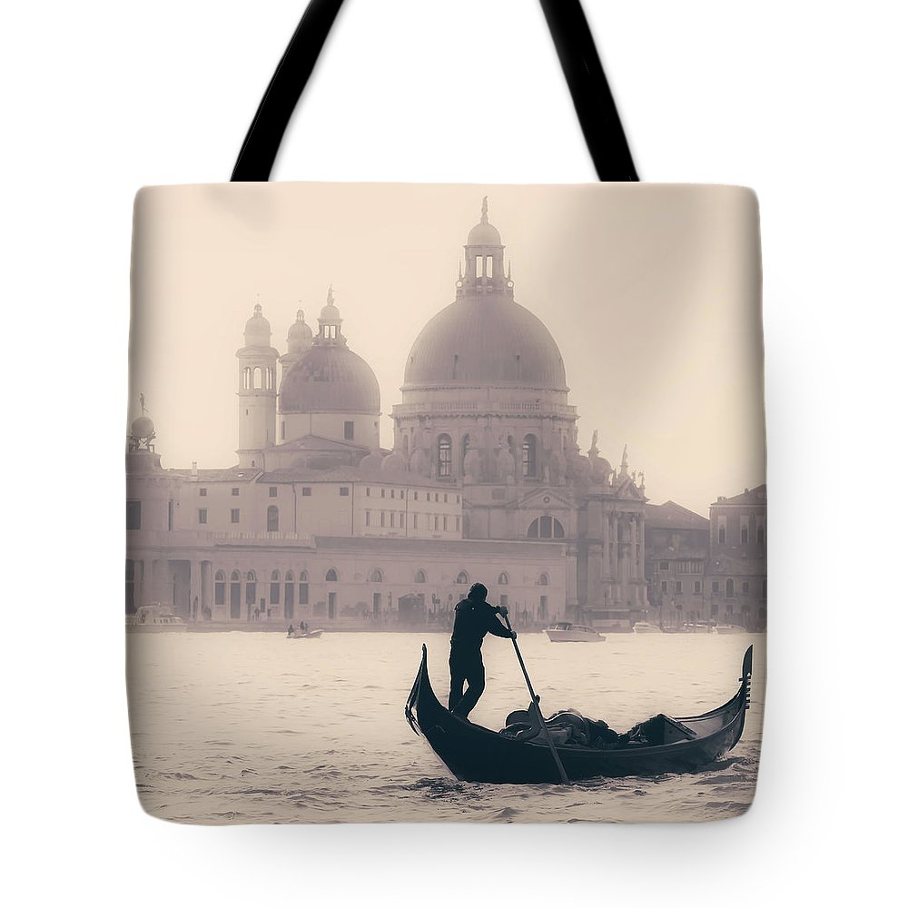 Boat Silhouette Tote Bags