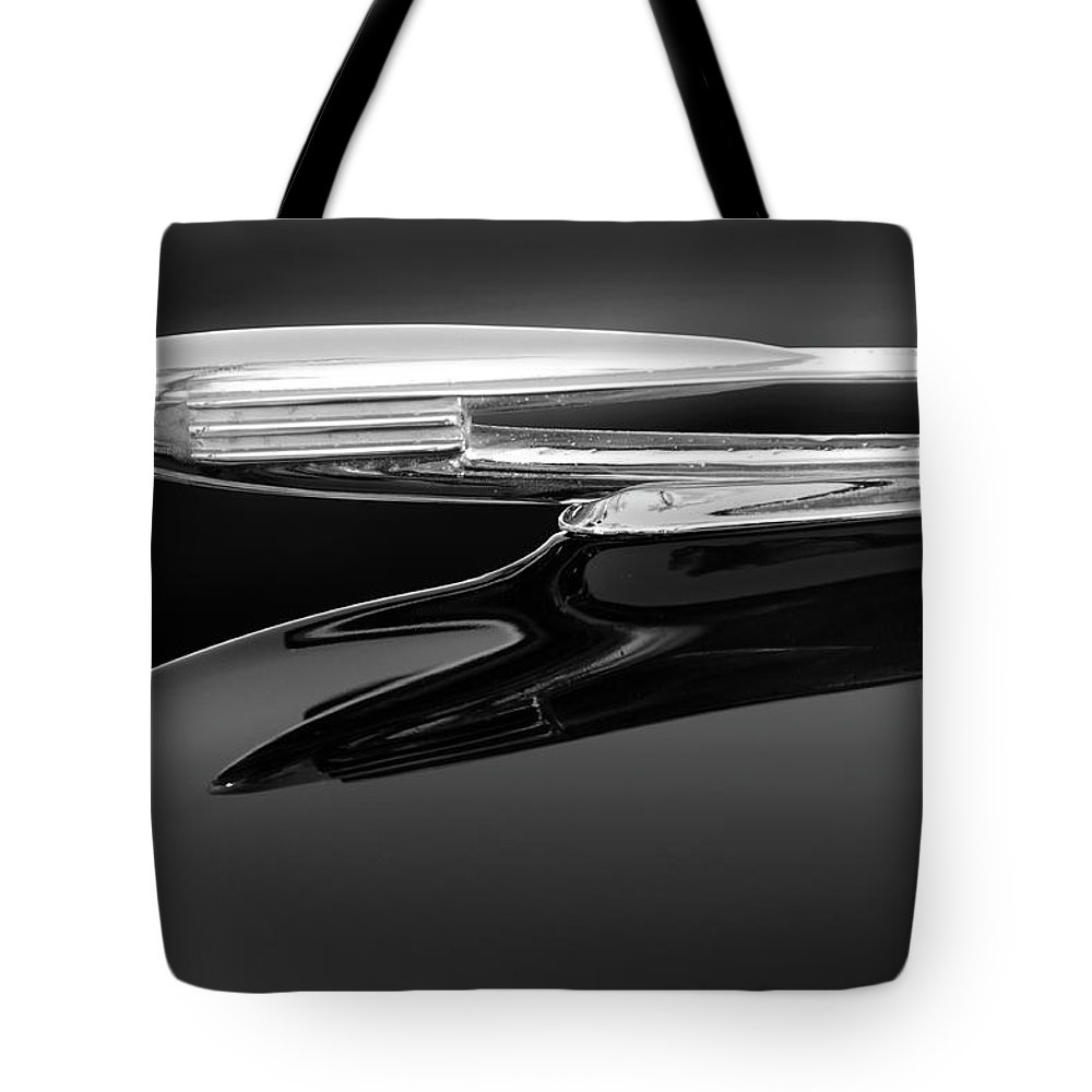 1940 Cadillac La Salle Tote Bag featuring the photograph 1940 Cadillac La Salle Hood Ornament 2 by Jill Reger