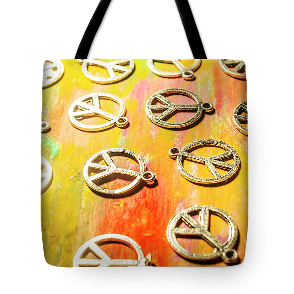 Pendant Photographs Tote Bags