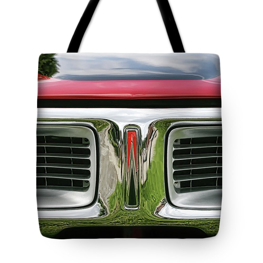 1972 Tote Bag featuring the photograph 1972 Dodge Charger 400 Magnum by Gordon Dean II