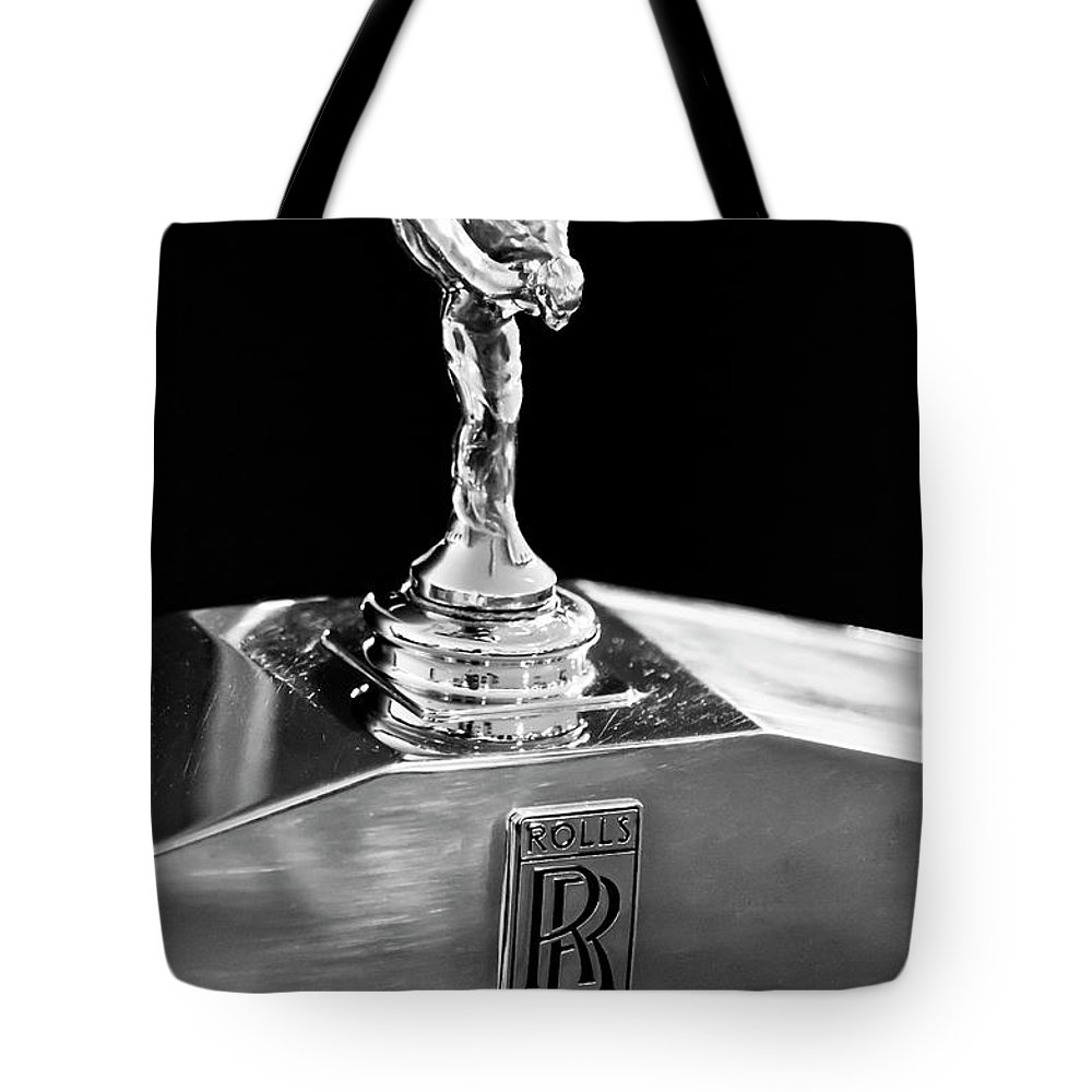 1986 Rolls-royce Tote Bag featuring the photograph 1986 Rolls-royce Hood Ornament 2 by Jill Reger