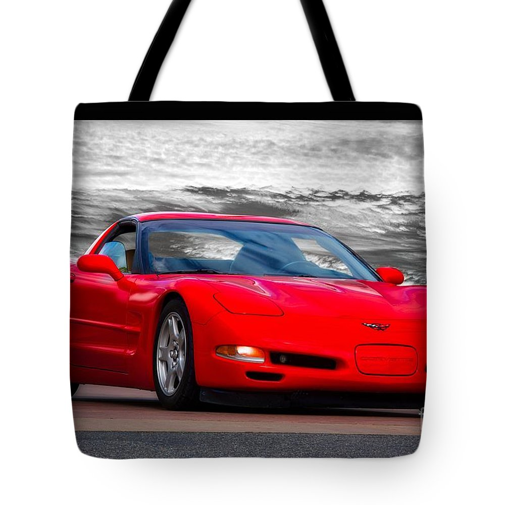 Automobile Tote Bag featuring the photograph 1999 Chevrolet C5 Corvette by Dave Koontz