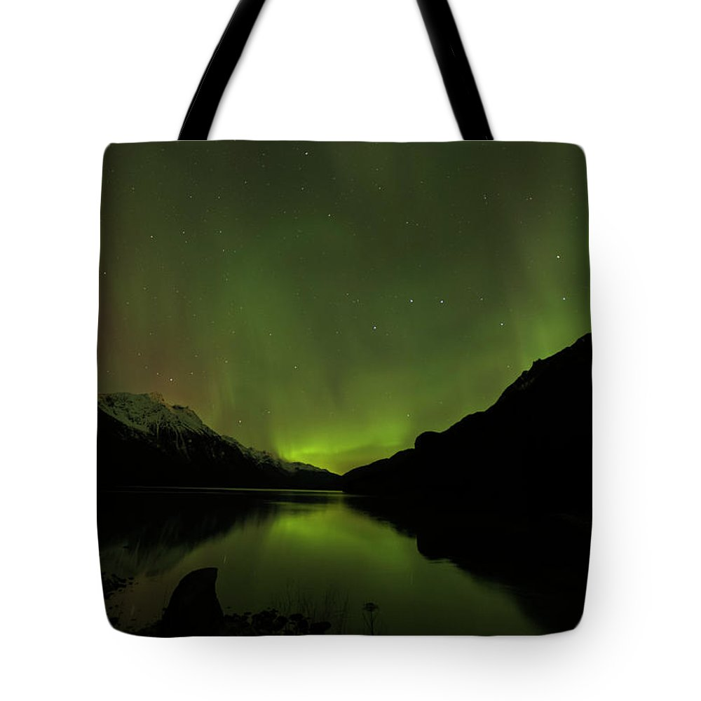 Alaska 2015 Tote Bag featuring the photograph Aurora Borealis by Donald Trimble