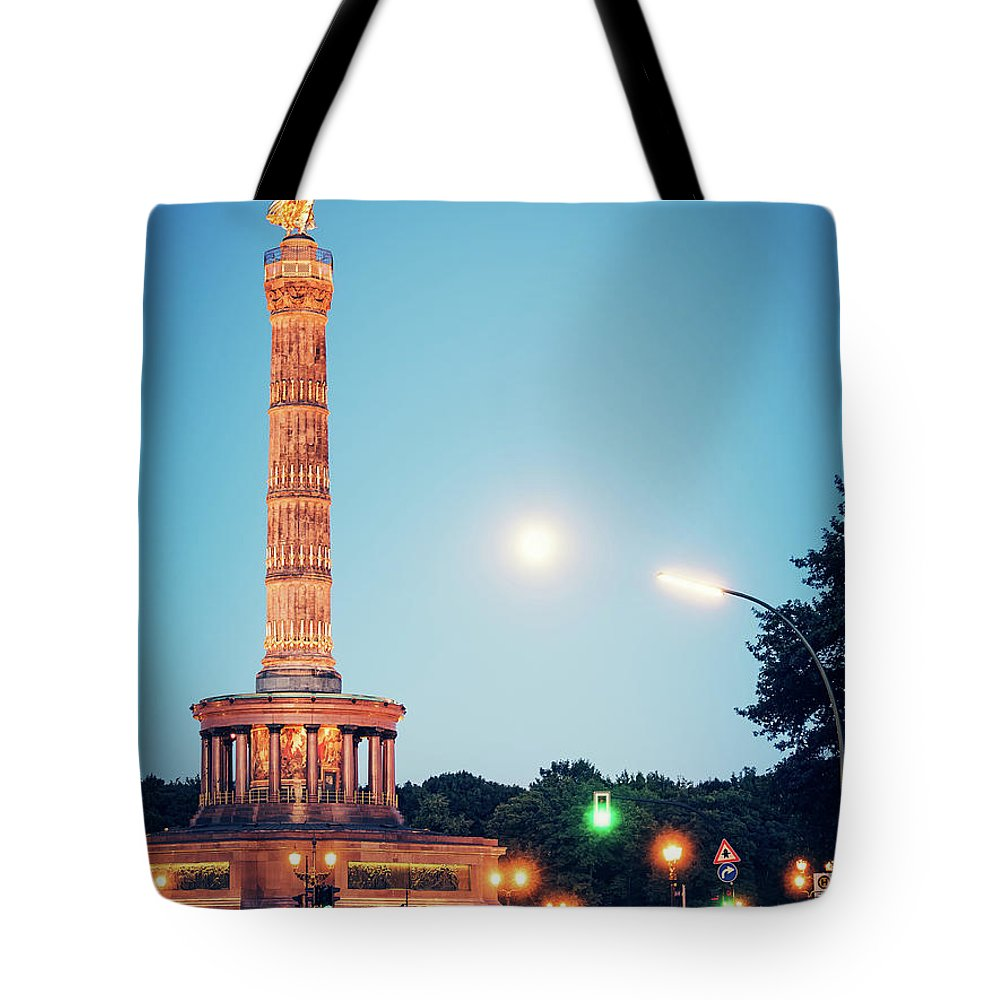 Berlin Tote Bag featuring the photograph Berlin - Victory Column by Alexander Voss