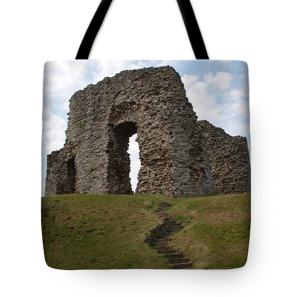 Christchurch Tote Bag featuring the photograph Christchurch Castle by Chris Day