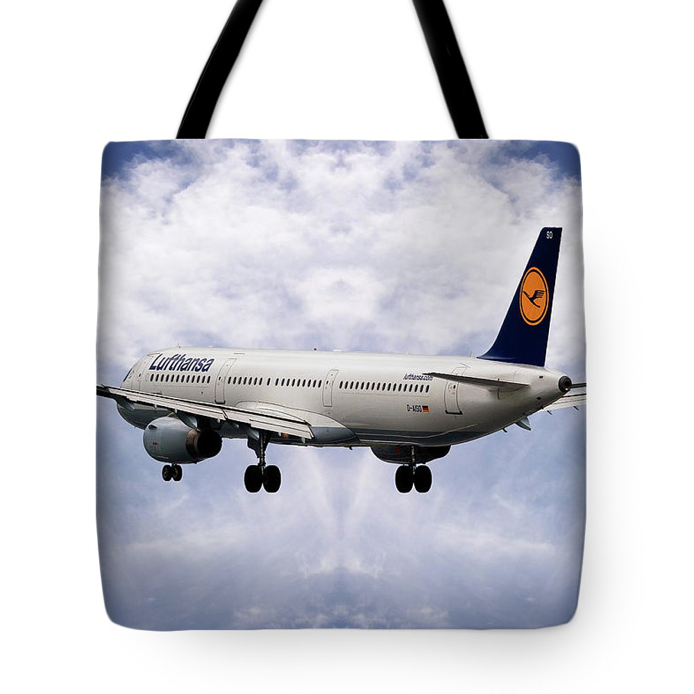Airliner Photographs Tote Bags
