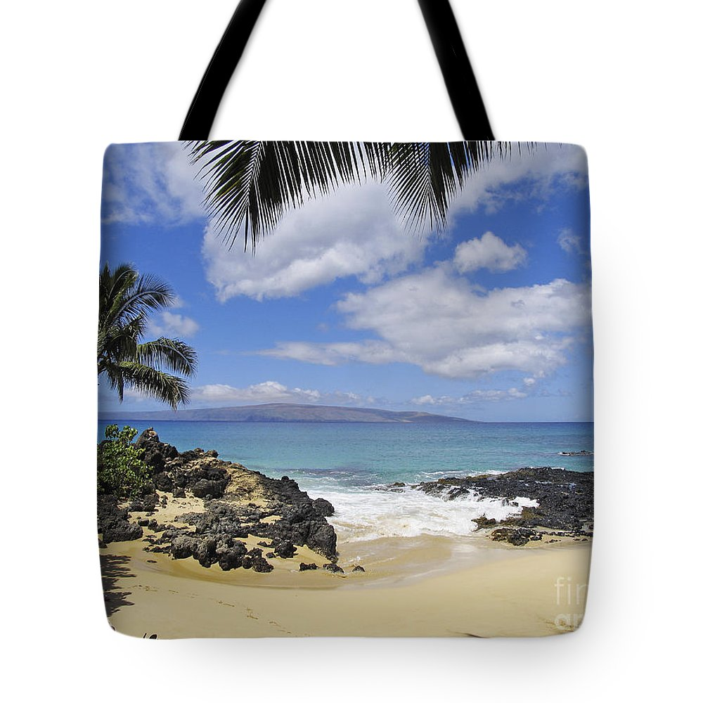 Beach Tote Bag featuring the photograph Makena, Secret Beach by Ron Dahlquist - Printscapes
