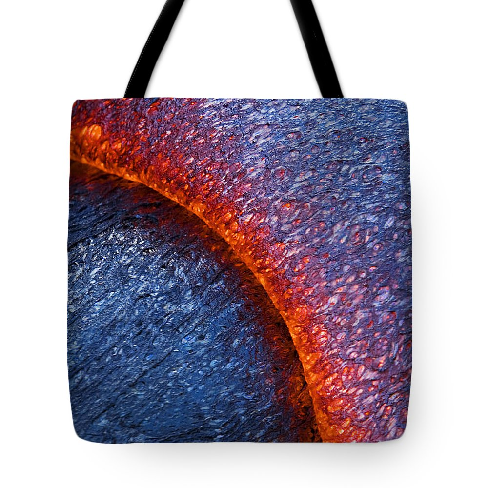 66-csm0035 Tote Bag featuring the photograph Molten Pahoehoe Lava by Ron Dahlquist - Printscapes