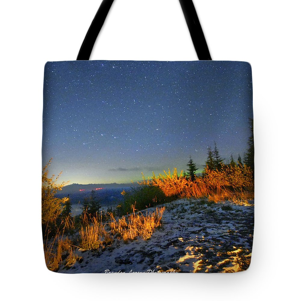 Tote Bag featuring the photograph Northern Lights At Mount Pilchuck by Brandon Larson