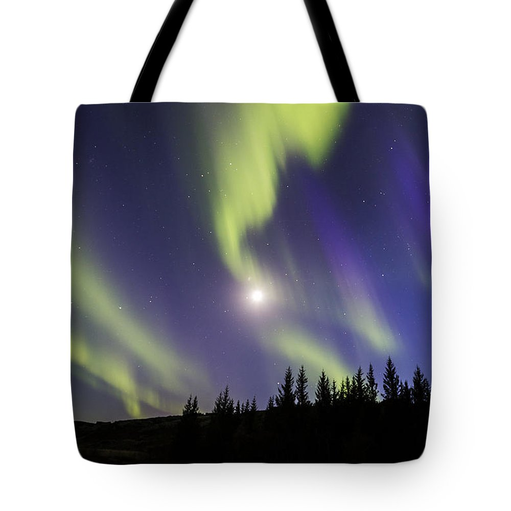 Northern Lights Tote Bag featuring the photograph Northern Lights Thingvellir by Gunnar Orn Arnason