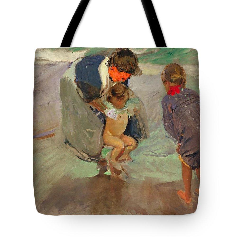 Joaquin Sorolla Y Bastida Tote Bag featuring the painting On The Beach by Joaquin Sorolla y Bastida