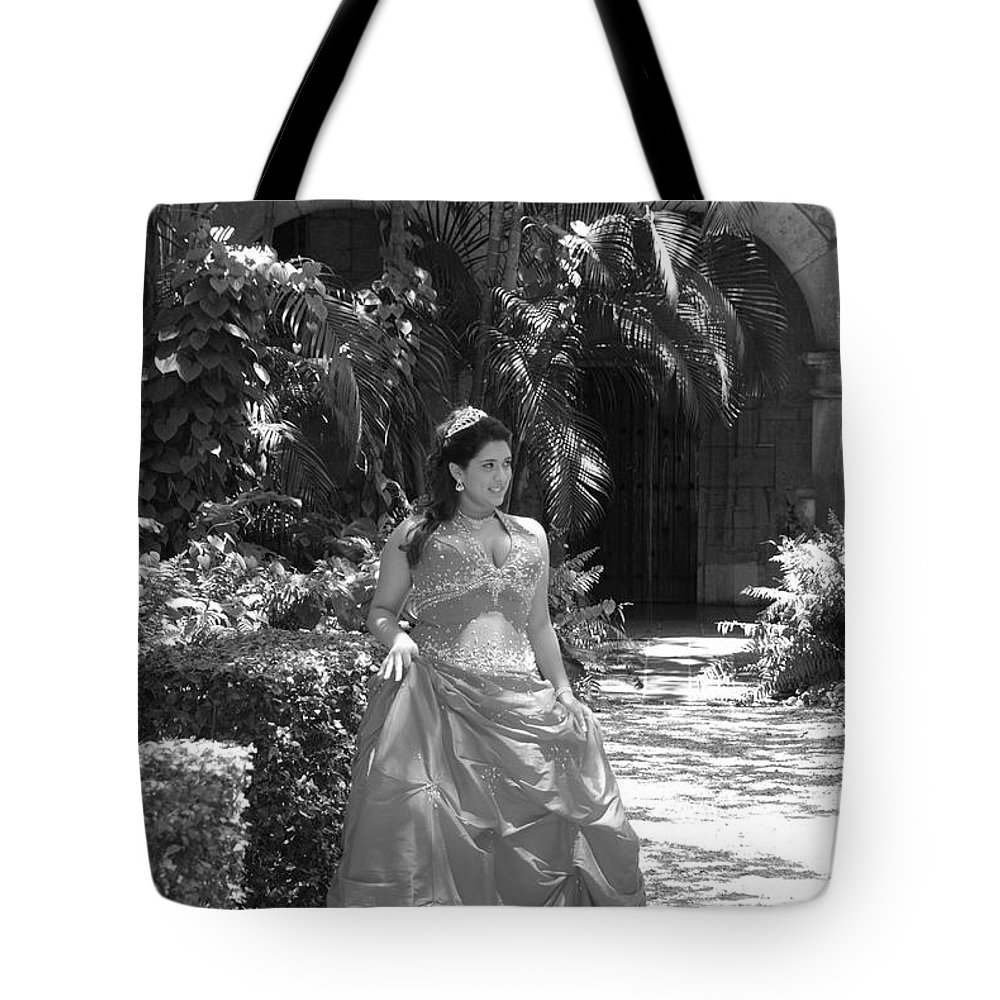 Girl Tote Bag featuring the photograph The Princess by Rob Hans