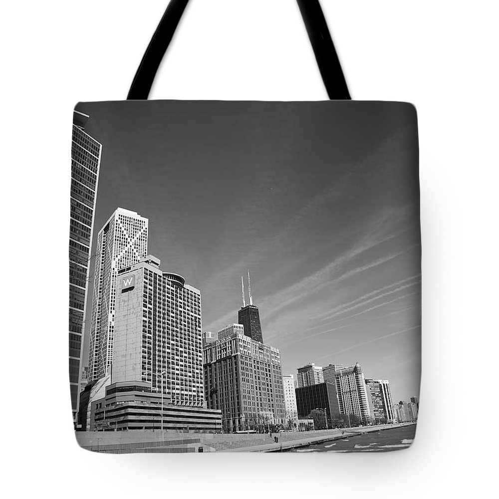 America Tote Bag featuring the photograph Chicago Skyline And Beach by Frank Romeo