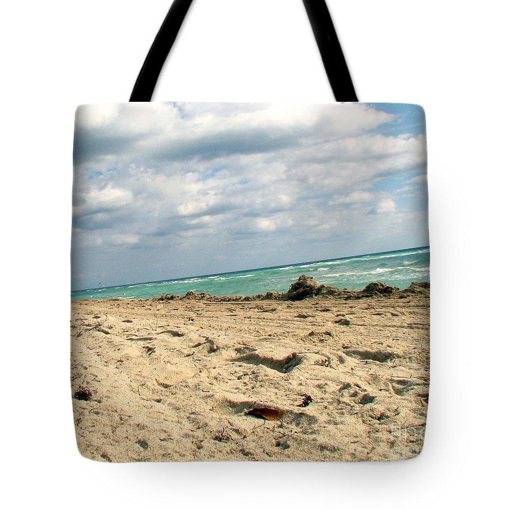 Miami Tote Bag featuring the photograph Miami Beach by Amanda Barcon