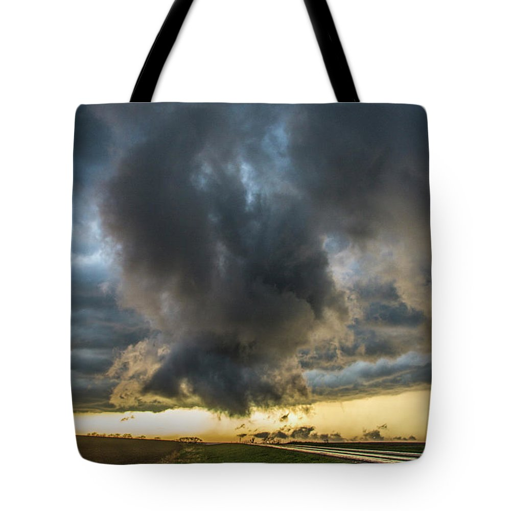 Nebraskasc Tote Bag featuring the photograph 3rd Storm Chase Of 2018 050 by NebraskaSC