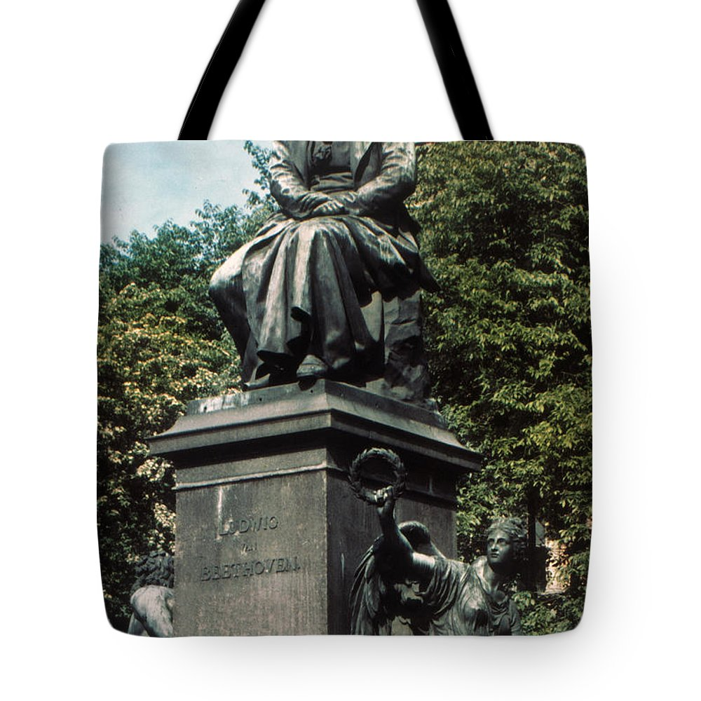 18th Century Tote Bag featuring the photograph Ludwig Van Beethoven by Granger