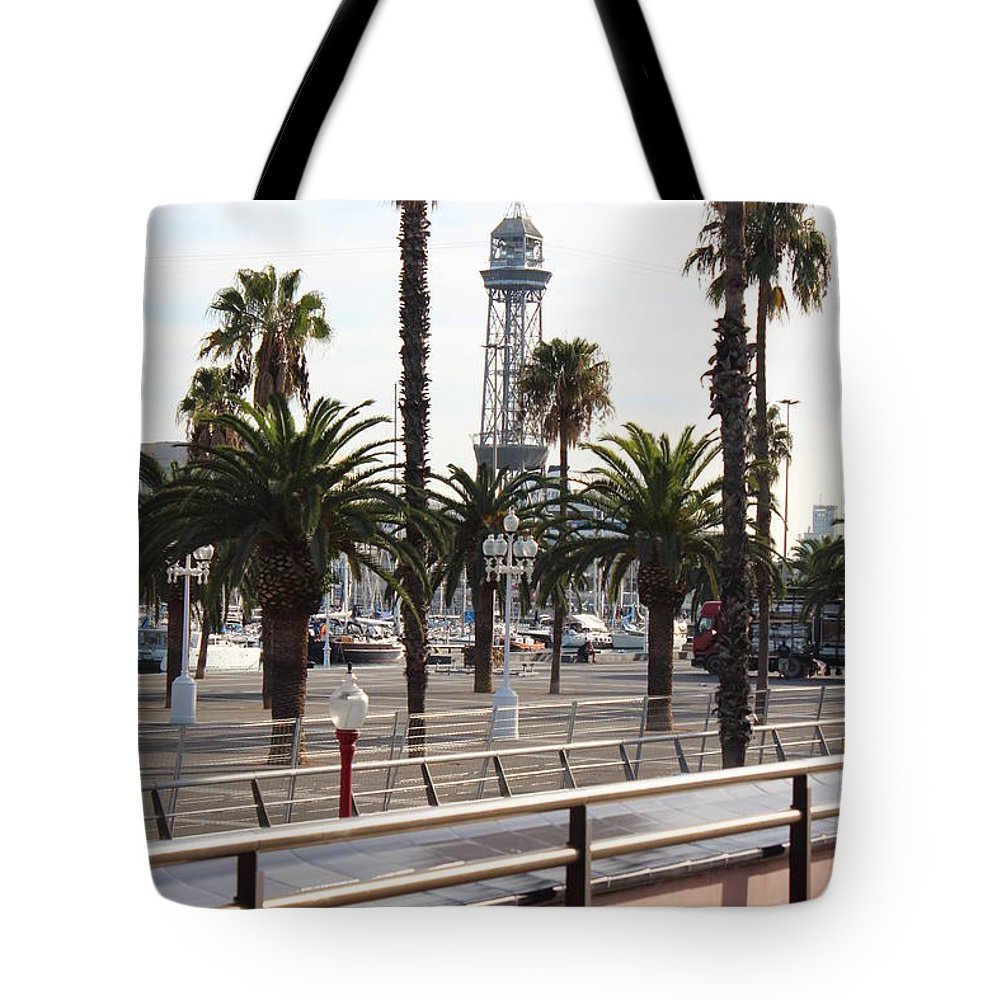 Tote Bag featuring the photograph Barcelone by Pascalle Raymond