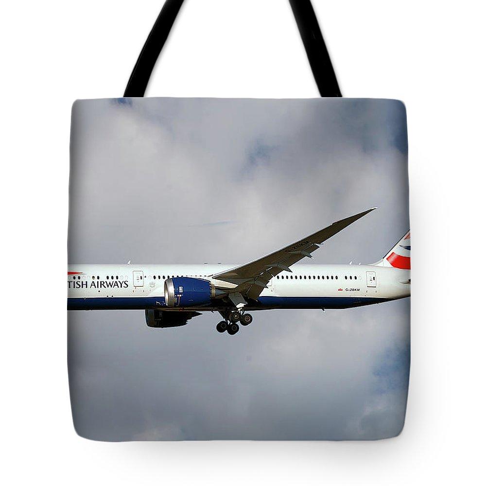 British Airways Tote Bag featuring the photograph British Airways Boeing 787-9 Dreamliner 5 by Smart Aviation