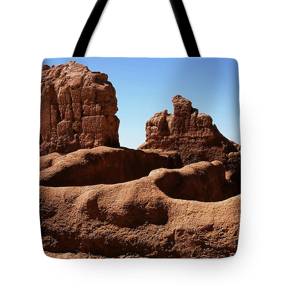 Abandoned Tote Bag featuring the photograph Casa Grande Ruins by Paul Moore
