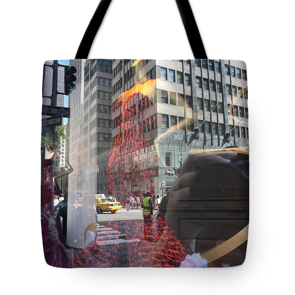 New York Tote Bag featuring the photograph 5th Avenue by Valerie Ornstein