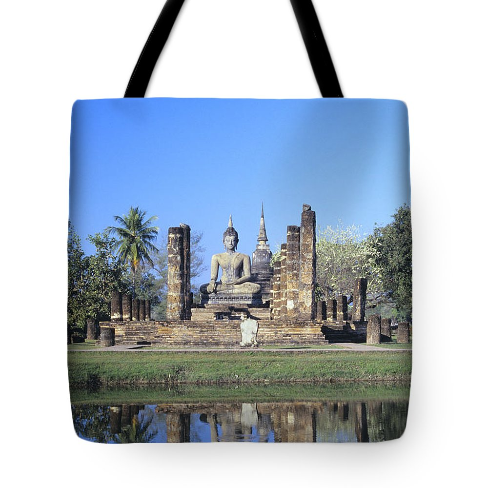 Ancient Tote Bag featuring the photograph Wat Mahathat by Gloria & Richard Maschmeyer - Printscapes