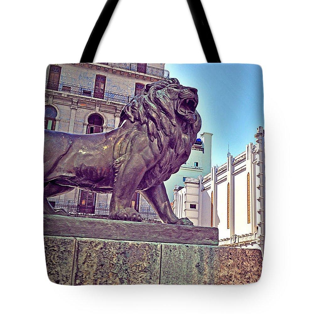 Havana Tote Bag featuring the photograph Havana, Cuba by Chris Andruskiewicz