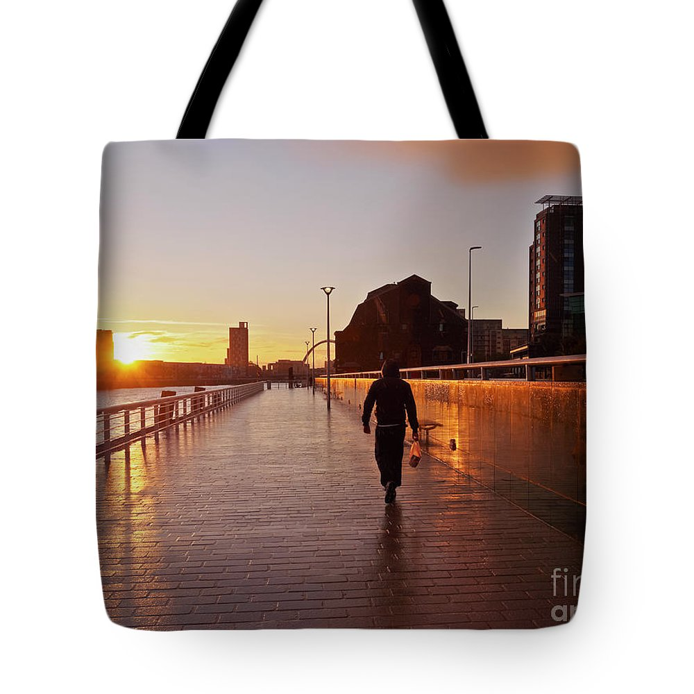 Europe Tote Bag featuring the photograph Glasgow, Scotland by Karol Kozlowski